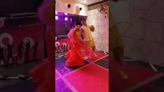 Tenu suit suit krda-Ambarsariya mix Couple dance