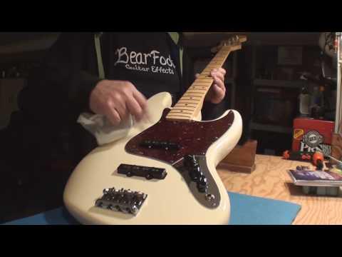 Download Youtube: Fender USA Jazz Bass Guitar