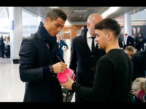 Customs Officers Also After CR7's Autograph