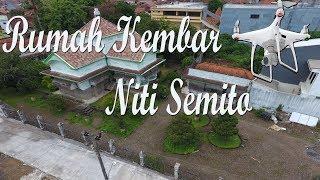 Rumah Kembar Niti Semito dan Jembatan Kaligelis Kudus (Aerial Video)
