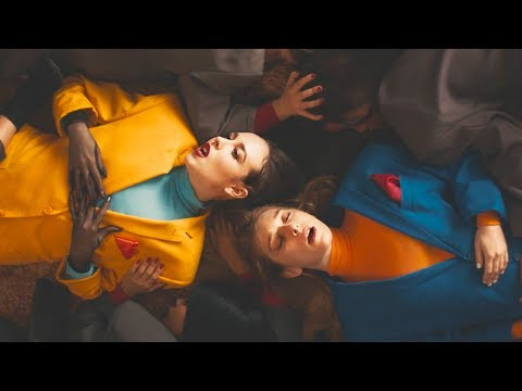 Allie X – Casanova ft. VÉRITÉ