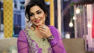 Meera Forgets English while talking to media