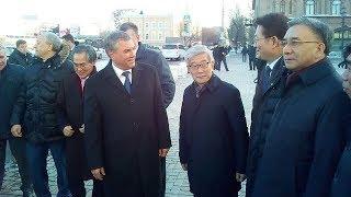 Вячеслав Володин показывает центр Саратова членам делегации Кореи