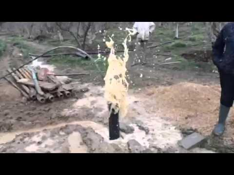 Water well cleaning with air compressor