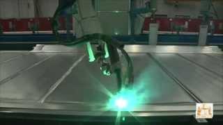 Сварка алюминиевых боковин вагонов(Роботизированный комплекс Сварка алюминиевых боковин вагонов http://imtt.ru/ http://vk.com/public40170093 http://twitter.com/MachineToolTech..., 2014-10-09T08:36:27.000Z)