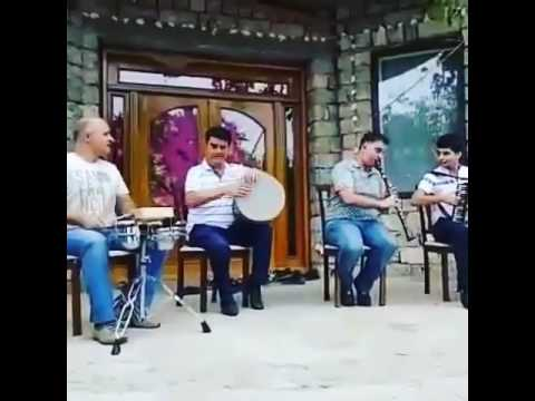 Taleh(qosa,nagara) Fuad(nagara) Huseyn (klarnet) Orxan (qarmon)
