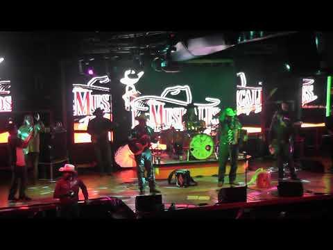 David Lee Garza y Los Musicales Live En El Festival De Todos 2019 Corral Western Club 2