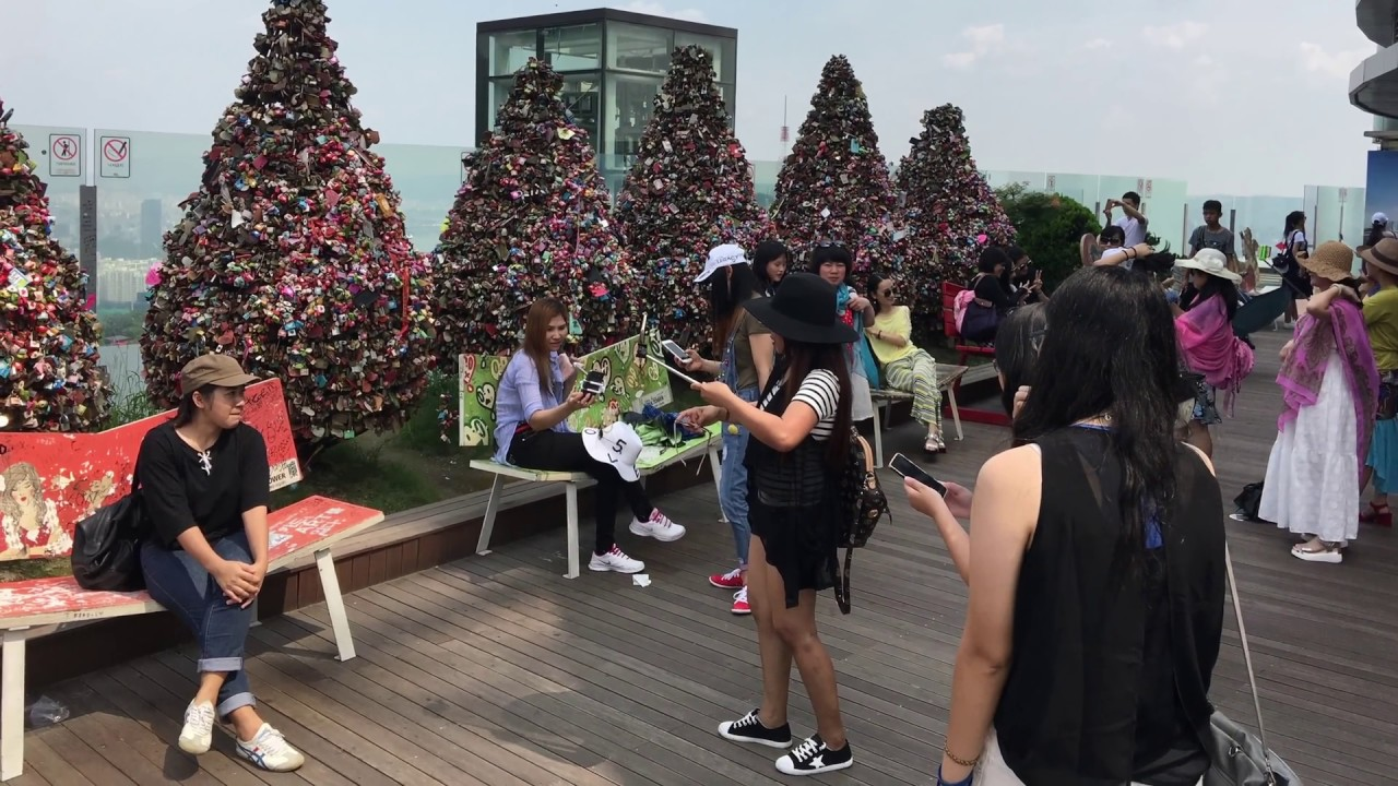 Namsan cable car - From Namsan Cable Car To N Seoul Tower N Seoul Korea In 4k