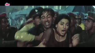 Arjun Pandit scene -   Pandit menyerang Nisha diluar pengadilan