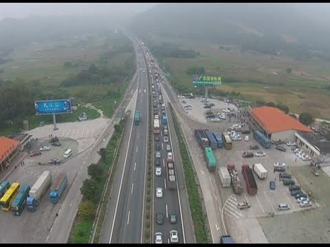 China's Expressway Network Faced with Great Pressure on Qingming Festival