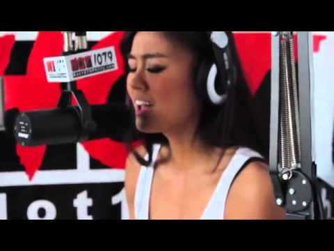 AGNEZ MO - Coke Bottle (Freestyle at Radio USA)