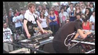 So So Modern loose threads and theramins Live at Midi Festival French Riviera 2008