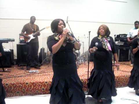 Lisa Knowles & Brown Singers - Work On Me