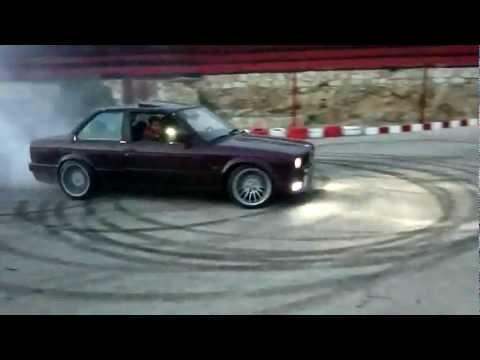 BMW E30 2JZ Engine - Doing Donuts!