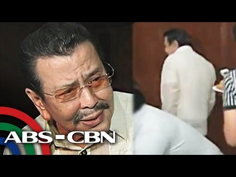 Erap nag-walkout sa interview