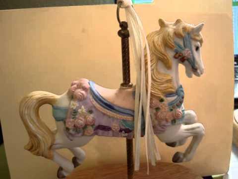 Musical Carousel Horse, Plays