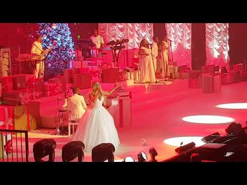 Mariah Carey - Christmas Baby Please Come Home (ZIggo Dome Amsterdam)