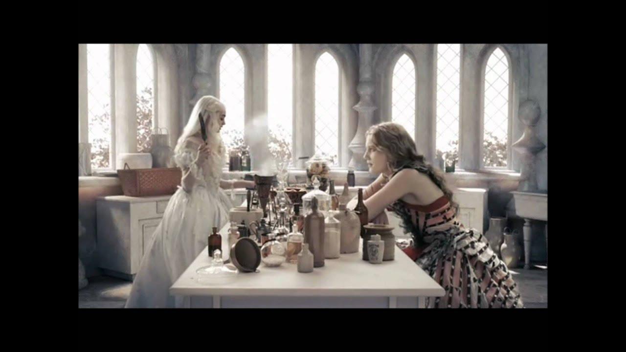Alicia Escena De La Cocina De La Reina Blanca Hd Castellano