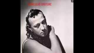 Charlelie Couture - Le fauteuil en cuir - Combien de temps