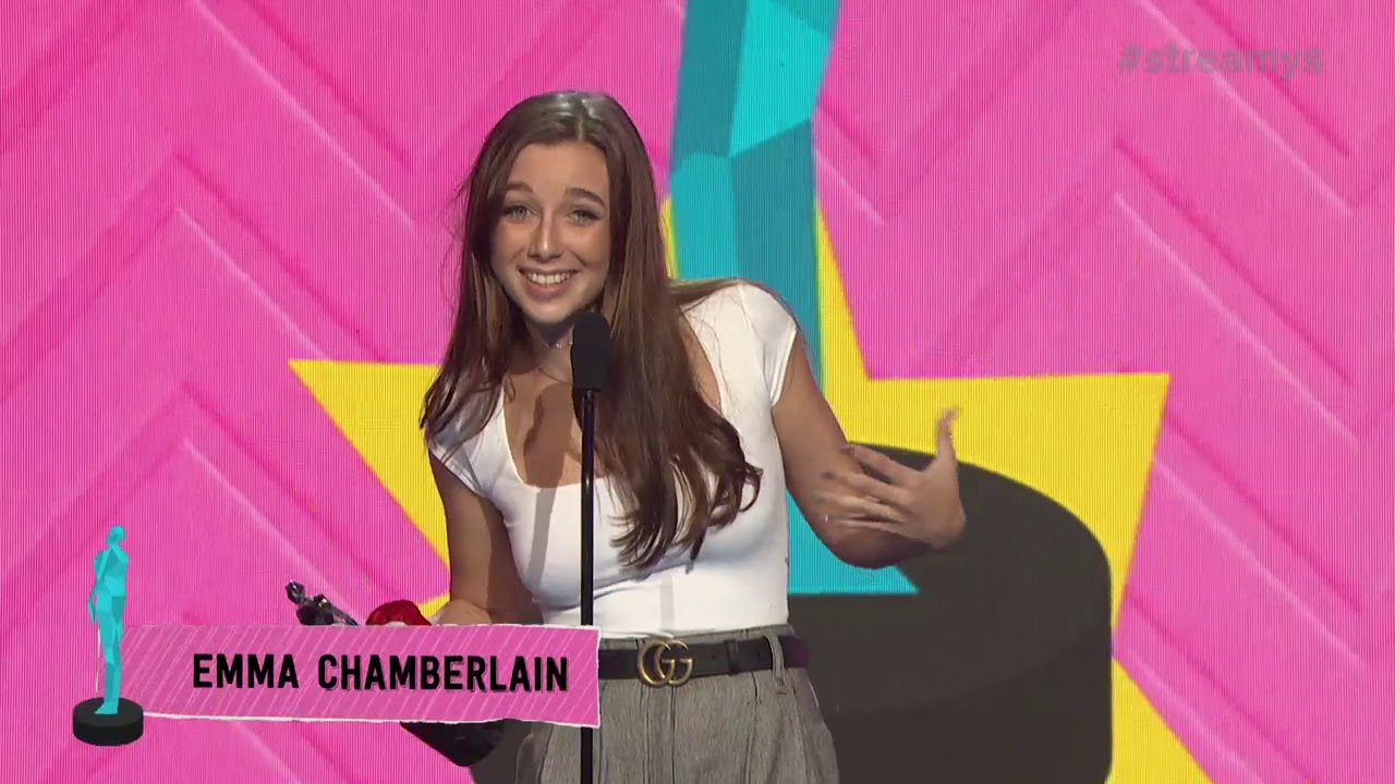9b8e7bdb7b1a Emma Chamberlain Wins Breakout Creator - Streamys 2018 - YouTube