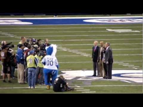 Colts Honor Dungy