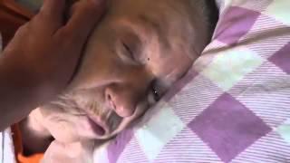 Мама спит, разбудил! Ухаживаю за больной мамой! Болезнь Паркинсона  Лежачий инвалид  Видео для сво