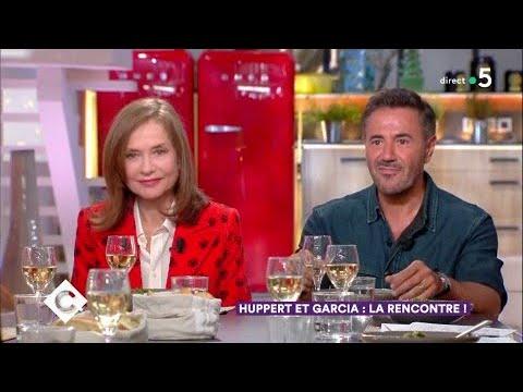 Isabelle Huppert et José Garcia au dîner - C à Vous - 26/03/2018