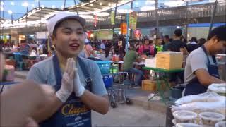 แม่ค้ามารยาทดีที่สุดในโลก ยำหอยแครง + ยำหอยนางรม แม่ค้าโคราชใจดีมากๆ