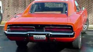 General Lee 69 Charger with Flowmaster 40