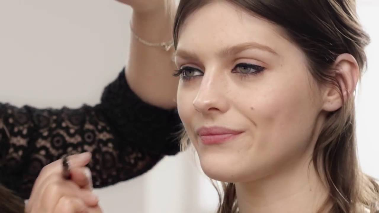 1cf2d0e8d453 How to do a Cat eye Look using Burberry Cat Lashes Mascara - YouTube