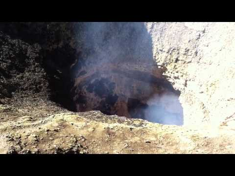 Sounds of outgassing from the lava lake of Villarrica volcano (Chile)