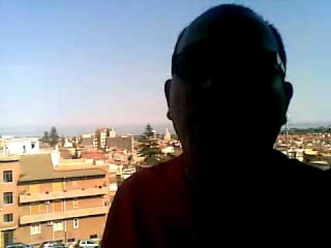 donne nude che prendono il sole nel balcone di casa in un condominio  YouTube