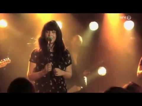 Maria Mena - Victoria (Live)