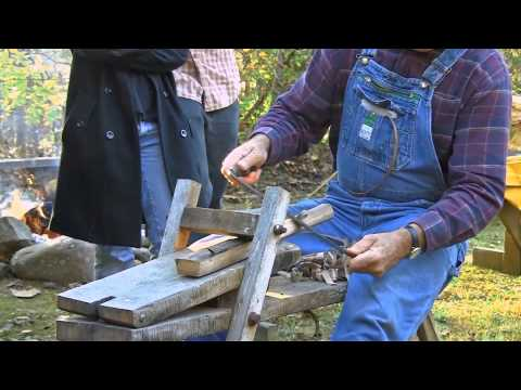 "Appalachiantraditional tools - using a ""Shaving Horse"""