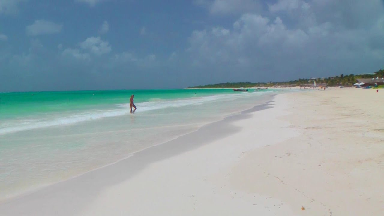 Catalonia playa maroma one of top 5 romantic beaches in for Top 1 beach in the world
