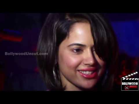 sameera reddy lovely bob but