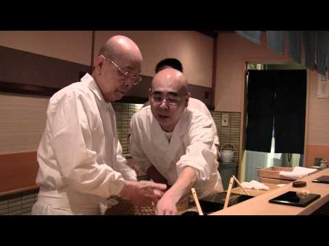 3 Michelin star Jiro Ono makes sushi in Tokyo