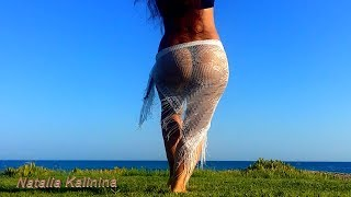 Natalia Kalinina dancing on the beach - Despacito
