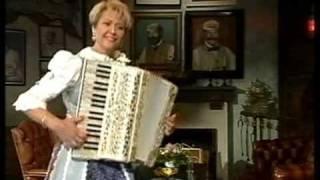 Christa Behnke  / Akkordeon  Weltmeisterin  ( Hüttenfete ) Lüders Krug 25 05 1999