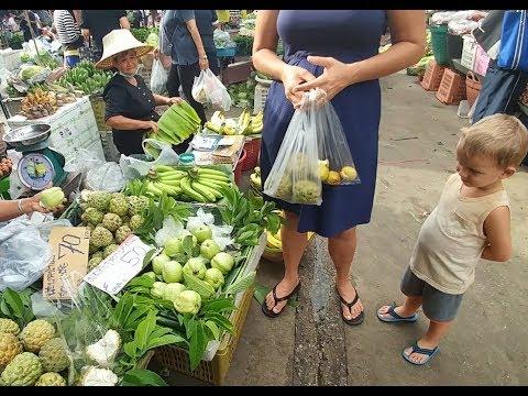 Thailand - family fruit hunting in Bangkok (Nonthaburi market)