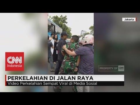 Viral! Dipicu Sampah, TNI AL & Pemuda Baku Hantam di Jalan Raya