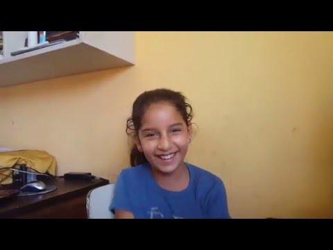 Vidio de niña cantando: DE ALESSANDRA PAREDES