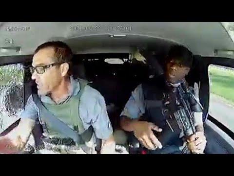 شاهد: هجوم مروع على سيارة أمن تنقل أموالاً في جنوب إفريقيا…  - نشر قبل 2 ساعة