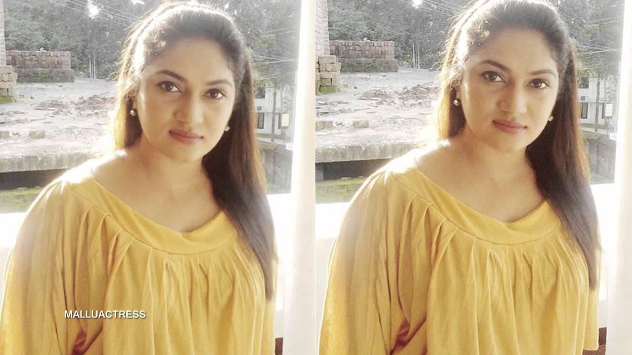 Malayalam Actress Arya Image: Real Look Arya Sreeram Sthreedhanam Serial Actress