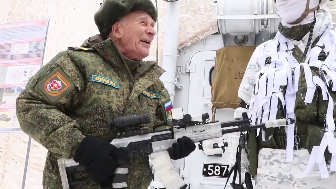 Ветеран ВОВ поздравил коллег разведчиков с 23 Февраля по радиосвязи