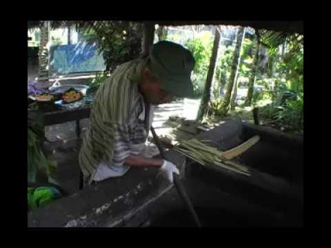 Making an umu in Rarotonga, Cook Islands