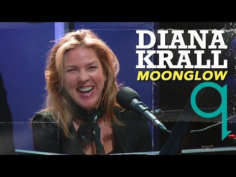 Diana Krall and Tom sing Moonglow together!