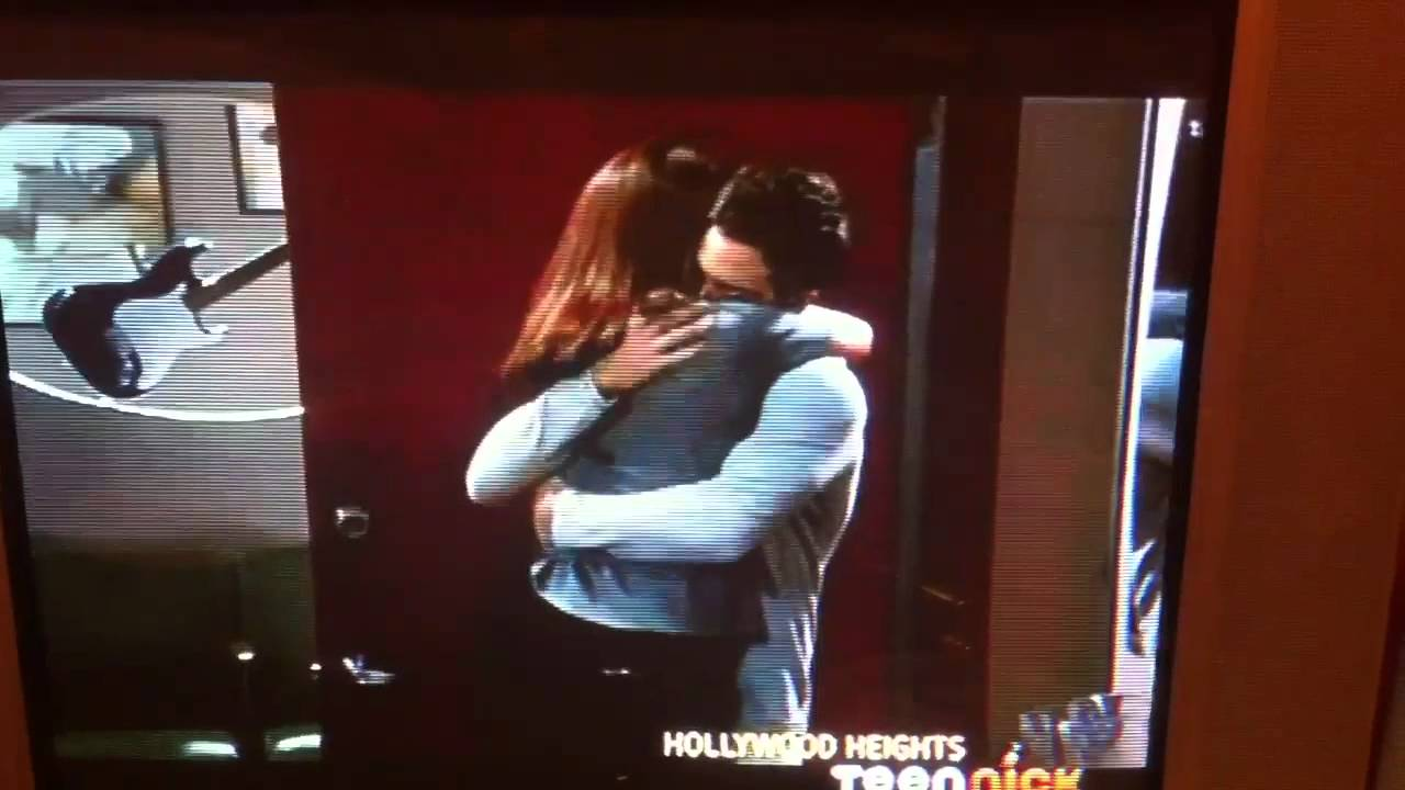 Hollywood Heights - LEDDIE MOMENT - YouTube