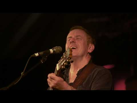 City of Chicago - Luka Bloom with the Fiddle Case