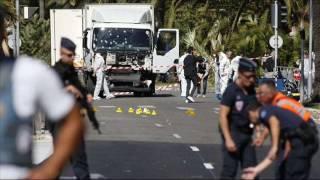 Vụ khủng bố tông xe tải tại Pháp làm 84 người chết, rúng động thế giới